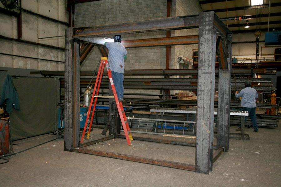 Seismic DA stand fabrication